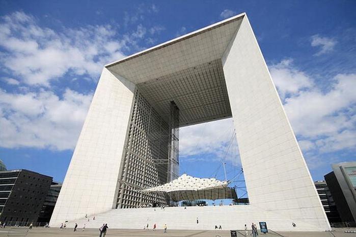 Необычные здания со всех уголков света 28 (700x466, 75Kb)