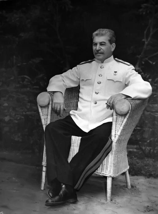 Сталин (515x700, 119Kb)