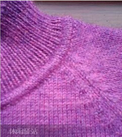 Как красиво перейти от горловины к воротнику вязаного спицами свитера,мастер-класс по фото/4683827_20120509_172225 (484x542, 68Kb)