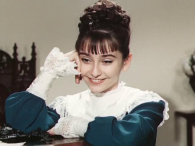 Родилась 8 сентября 1960 года ее детство