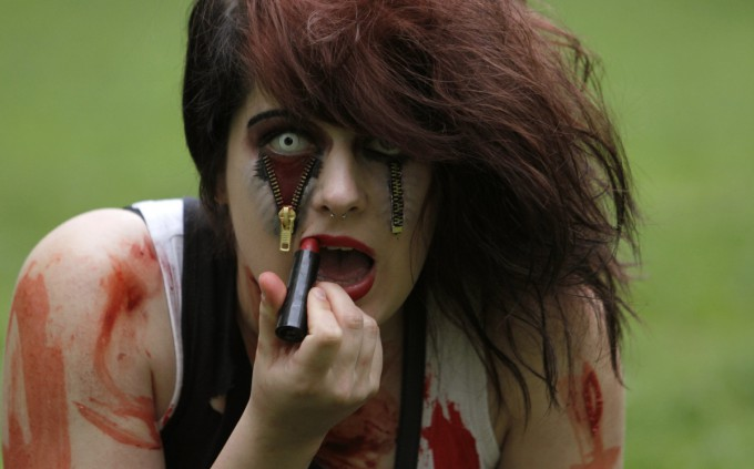 Zombies_in_Prague_Pixanews.com_-680x423 (680x423, 49Kb)