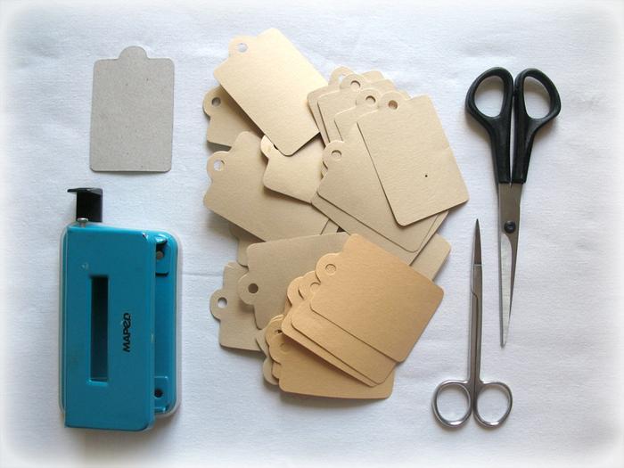 Как сделать дырки в листах без дырокола