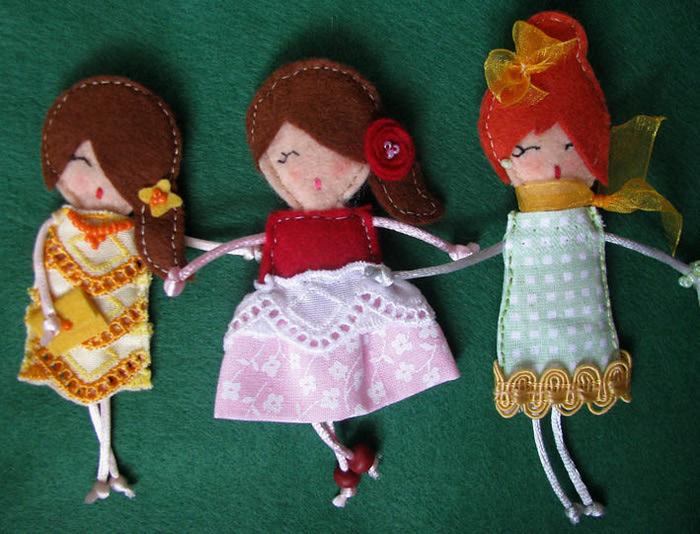 три девочки (700x534, 146Kb)