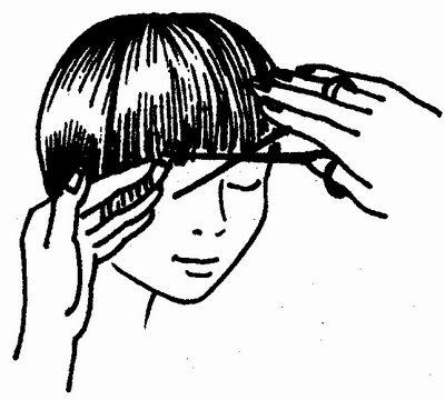Расчесав волосы на центральной части темени и сверху затылочной части, делают стрижку этих волос по кругу...