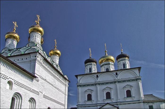 Успенский собор и церковь Богоявления Иосифо-Волоцкого монастыря/3673959_3 (700x464, 142Kb)