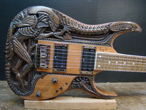 3810115_1334901867_alien_guitar_1 (600x450, 107Kb)