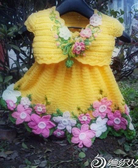 Детский вязаный крючком комплект-сарафан и болеро,украшенные вязаными цветами,мастер-класс/4683827_20120517_131523 (451x549, 90Kb)
