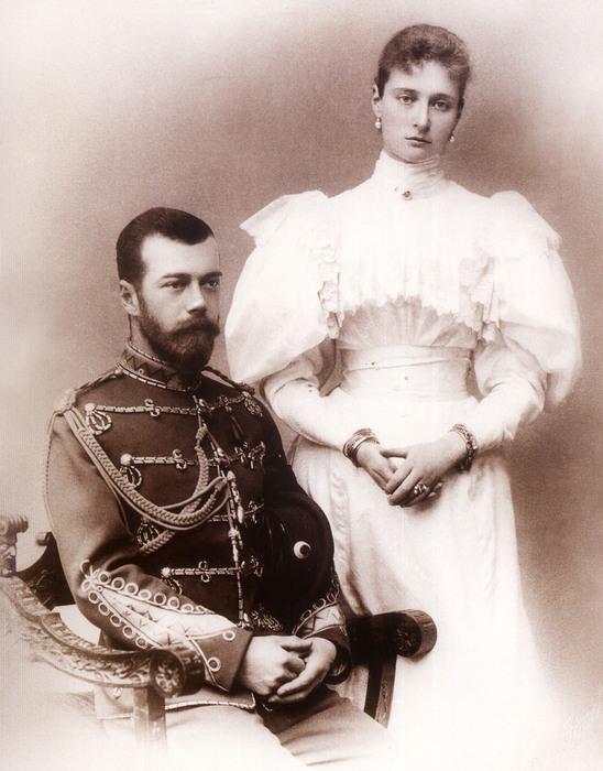 tsar_Nikolai_i_Aleksandra_v_pervii_god_supruzhestva (548x700, 122Kb)