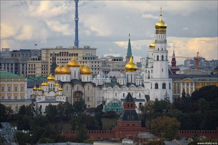 Лучший подарок - достопримечательности Москвы с высоты птичьего полета 1 (700x466, 93Kb)