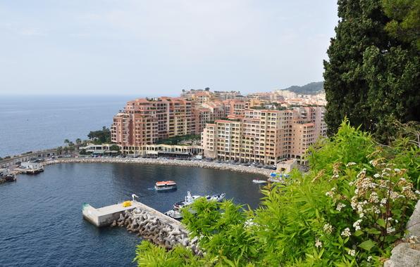 Монако/4348076_monak (596x380, 219Kb)