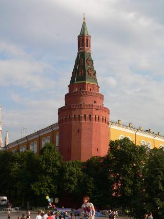 4842959_sobakina_yglovaya_arsenalnaya (320x427, 19Kb)