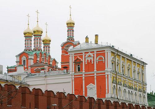 4842959_poteshnii_dvorec_s_cerkovu_Pohvali_Bogorodici_vosstanovlen_21_v_ (500x354, 55Kb)