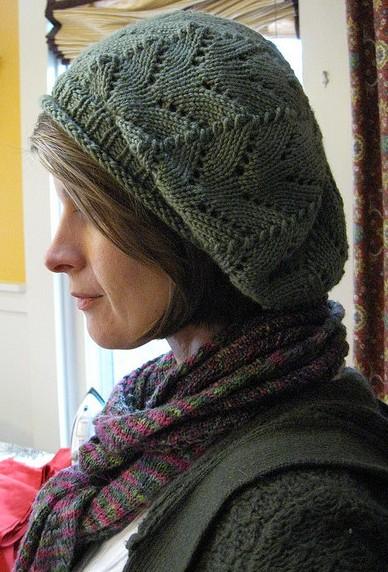 Берет женский с ажурным узором спицами/4683827_20120522_175837 (388x572, 88Kb)