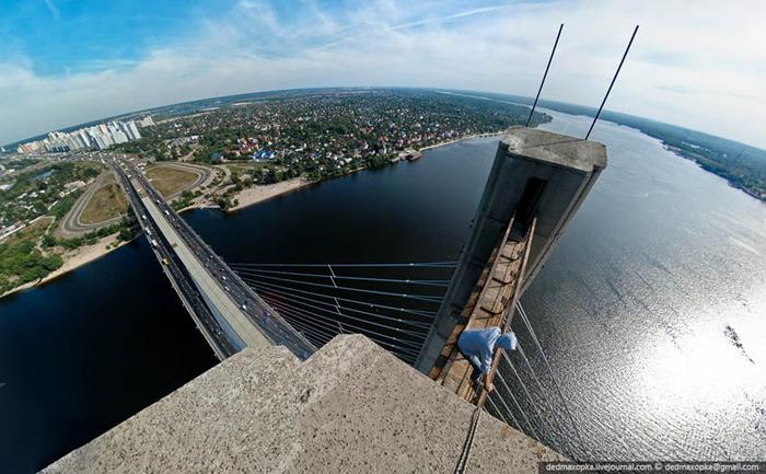 10. South Bridge, Kiev, Ukraine (700x433, 122Kb)