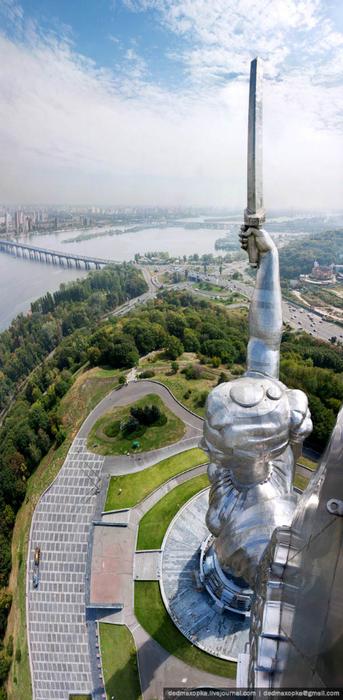 12. Motherland Monument, Kiev, Ukraine (343x700, 317Kb)