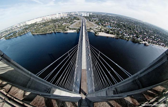 24. South Bridge, Kiev, Ukraine (700x447, 135Kb)