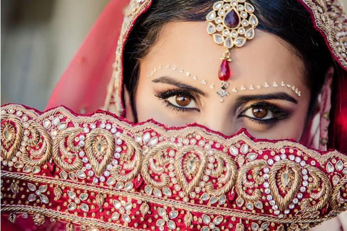 Портретные фото невест из Индии 24 (700x465, 123Kb)