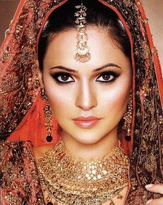 Портретные фото невест из Индии 53 (556x700, 469Kb)