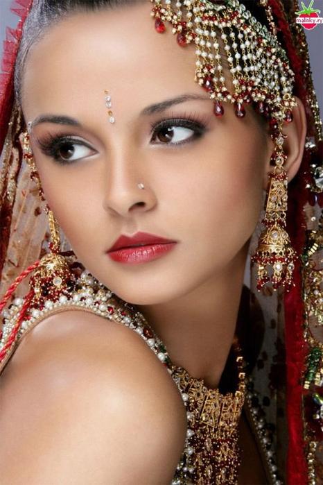 Портретные фото невест из Индии 60 (466x700, 358Kb)