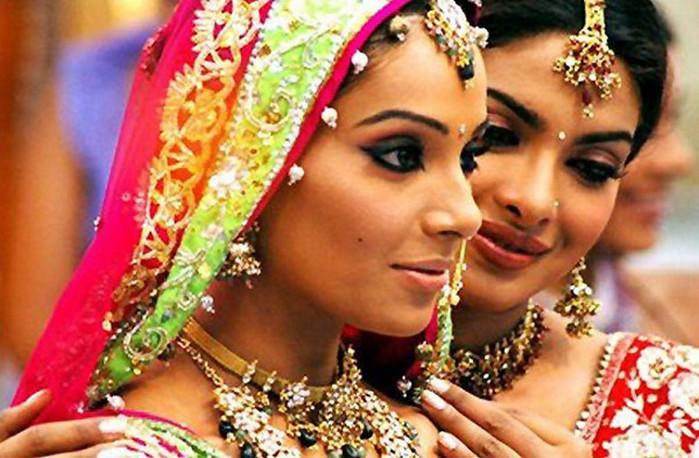 Портретные фото невест из Индии 72 (700x458, 95Kb)