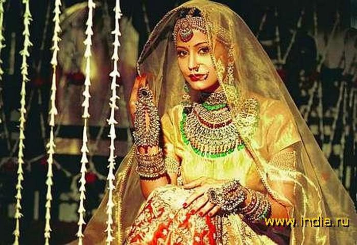 Портретные фото невест из Индии 74 (700x481, 113Kb)