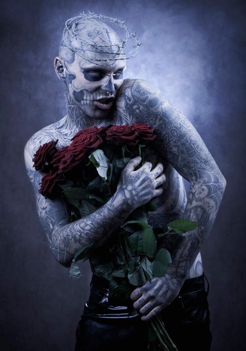 зомби бой Rick Genest фото 9 (490x700, 97Kb)