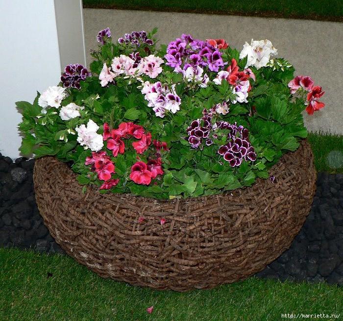Корзина в сад с цветами своими руками 65
