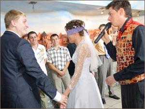 Хотели бы вы видеть тамаду на своей свадьбе?