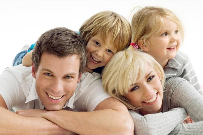 2447247_Happy_Family (700x464, 216Kb)