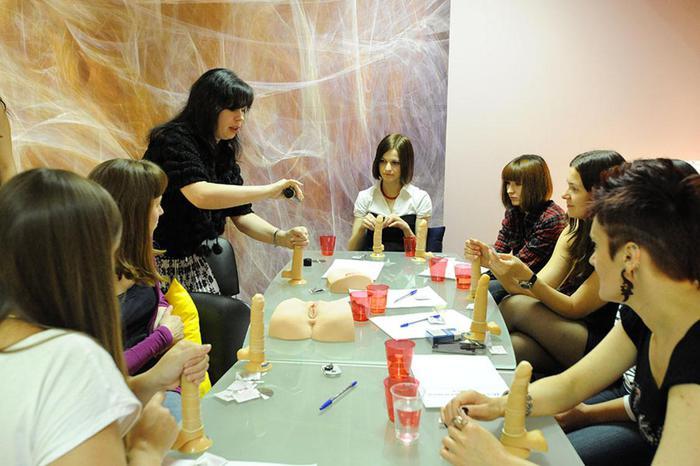 В Москве в элитных школах введен спецкурс Как девушке заработать на П