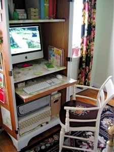 turn-cabinet-into-a-mini-home-office-8-225x300 (225x300, 27Kb)