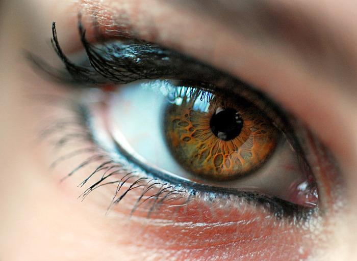глаза цвета: