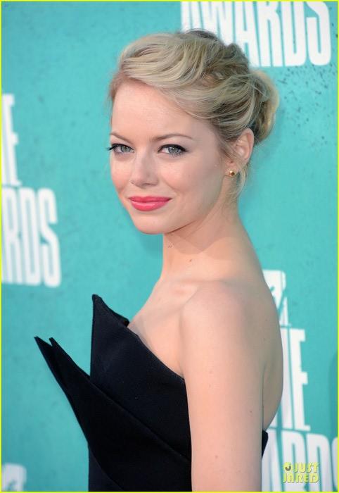 emma-stone-andrew-garfield-mtv-movie-awards-2012-03 (482x700, 61Kb)