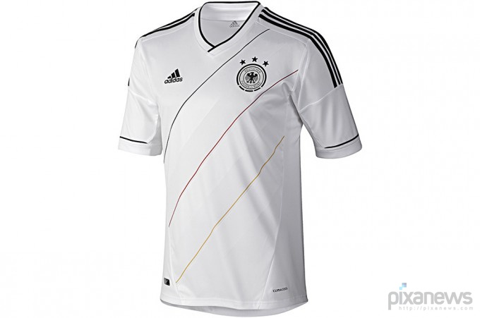 UEFA-European-Football-Championship-uniform-pixanews.com-28-680x451 (680x451, 40Kb)