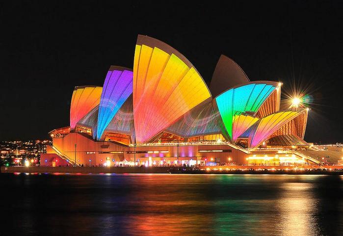 Красочный фестиваль света 2012 в Сиднее 1 (700x481, 91Kb)