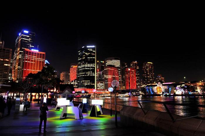 Красочный фестиваль света 2012 в Сиднее 23 (700x464, 80Kb)