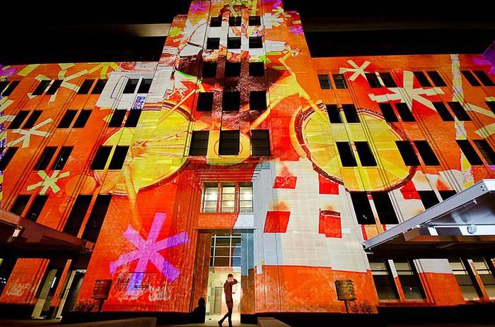 Красочный фестиваль света 2012 в Сиднее 25 (700x463, 137Kb)