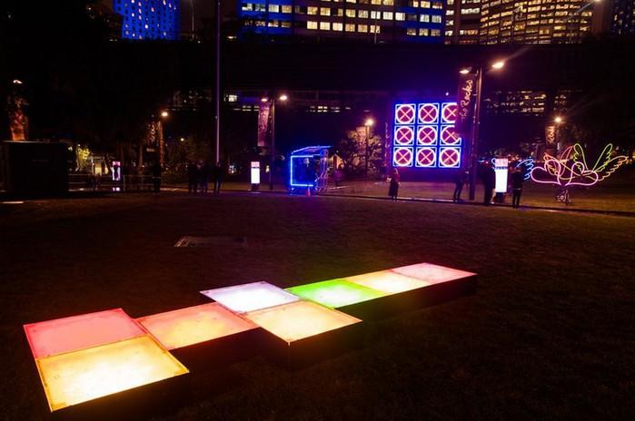 Красочный фестиваль света 2012 в Сиднее 28 (700x464, 77Kb)