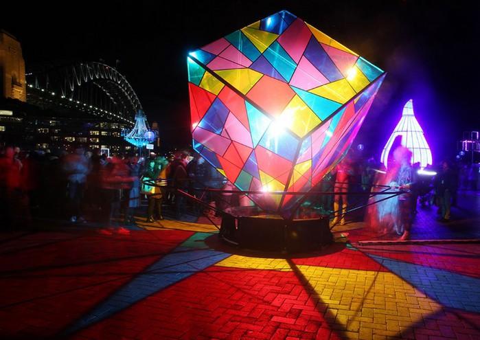 Красочный фестиваль света 2012 в Сиднее 31 (700x495, 93Kb)