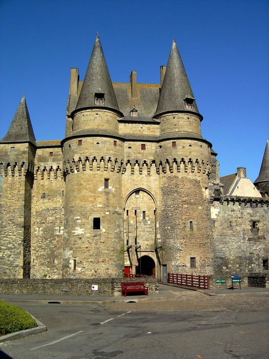 Castle-Vitre-France4 (525x700, 84Kb)