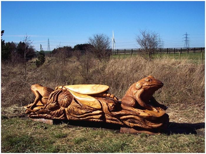 Удивительные скульптуры сделанные бензопилой 9 (700x525, 154Kb)