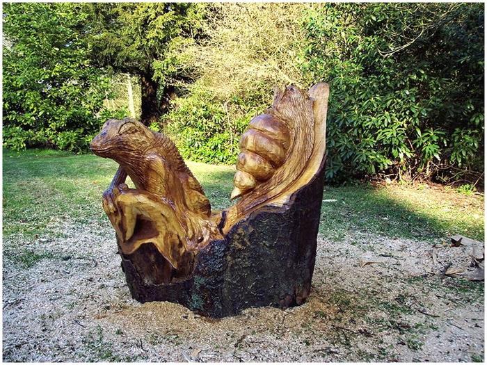 Удивительные скульптуры сделанные бензопилой 11 (700x525, 218Kb)