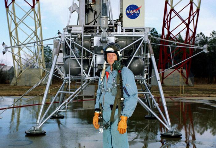 «Аполлон 11»3 (700x480, 191Kb)