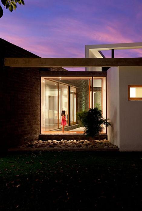 Двухэтажный дом от студии Diez + Muller 2 (470x700, 282Kb)
