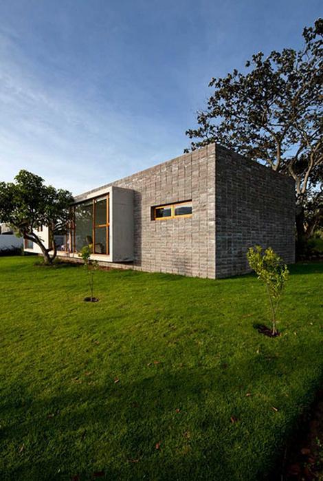 Двухэтажный дом от студии Diez + Muller 3 (470x700, 381Kb)
