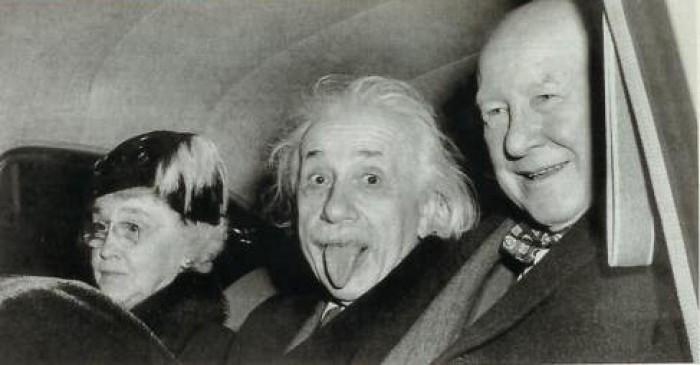 альберт энштейн фото/3185107_foto_enshteina (700x365, 51Kb)