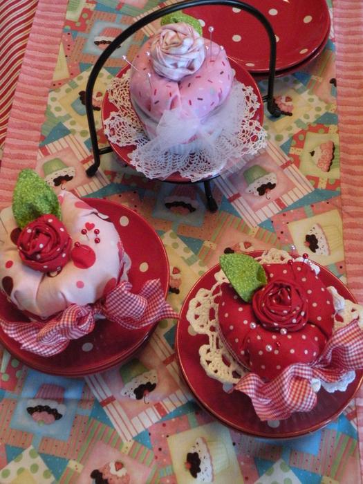 etsy cupcake pin cushions 202 (525x700, 503Kb)