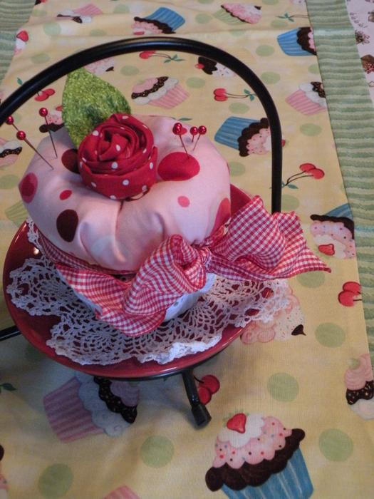 etsy cupcake pin cushions 206 (525x700, 455Kb)