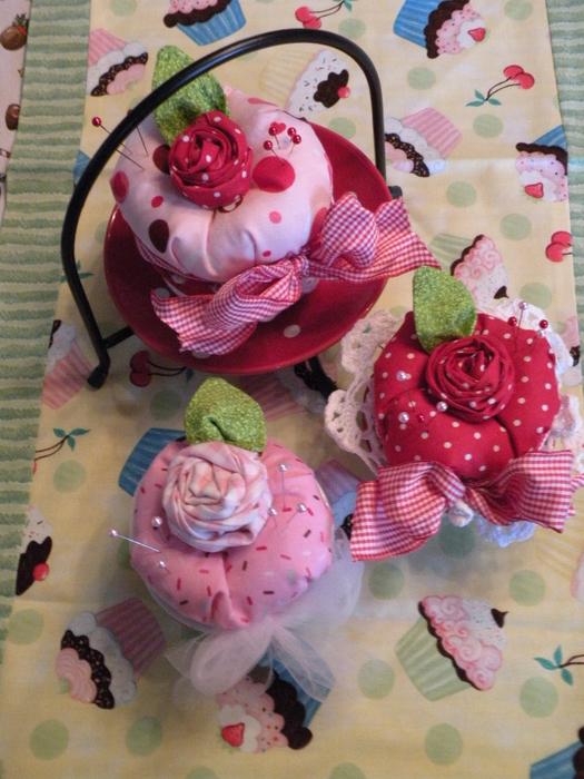 etsy cupcake pin cushions 211 (525x700, 451Kb)
