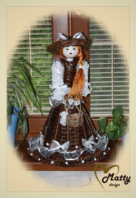 Кукла из газетных трубочек (13)